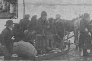 1915 GAZETA ILUSTRATA Cercetarea refugiatilor de catre reprezentantii autoritatilor noastre